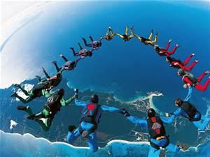 Parachutingin