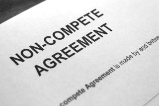 Noncompete-clause-picture-id496800884
